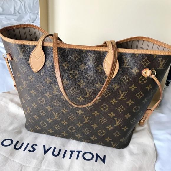 9b8668ca52f2 Louis Vuitton Handbags - Louis Vuitton Neverfull MM Monogram Tote Bag